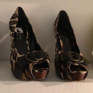 Beautiful Cheetah Print Jessica Simpson Heels 8.5